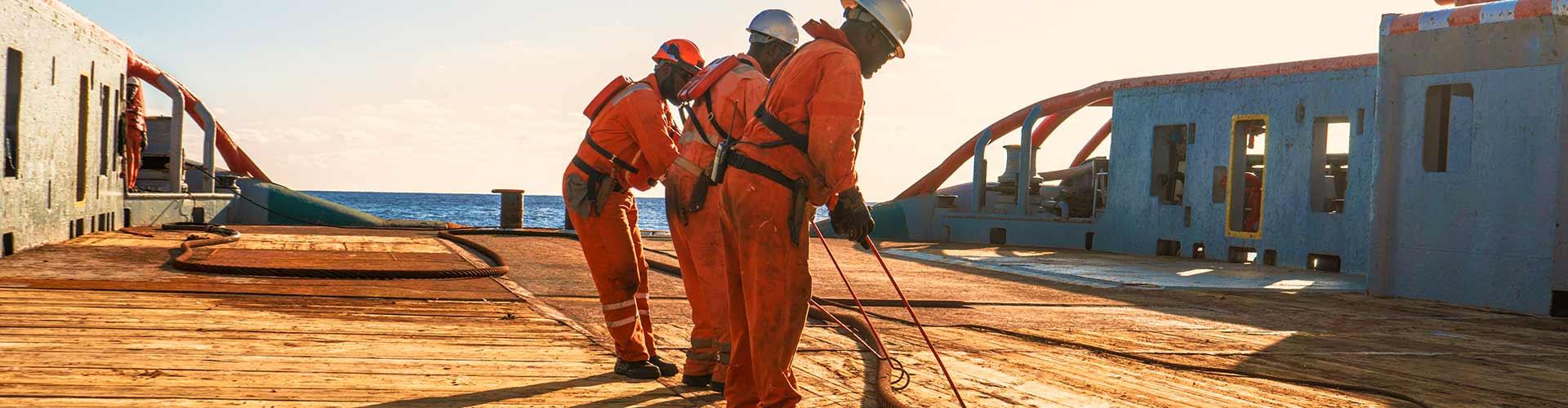 O que a NR-37 estabelece sobre o treinamento de trabalhadores no Offshore?